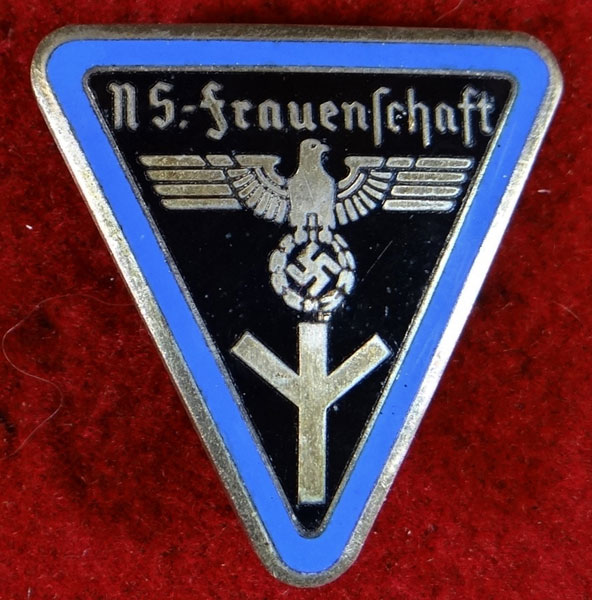 "Type III Orts Level ""Erweitrtter Stab"" Frauenschaft Badge"