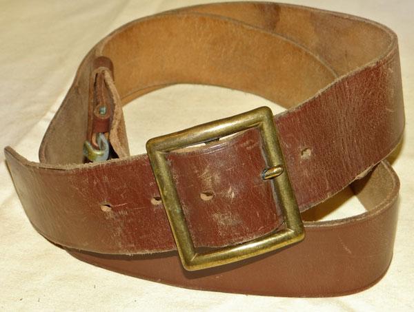 U S  Army WW II Enlisted Man's Leather Garrison Belt - US